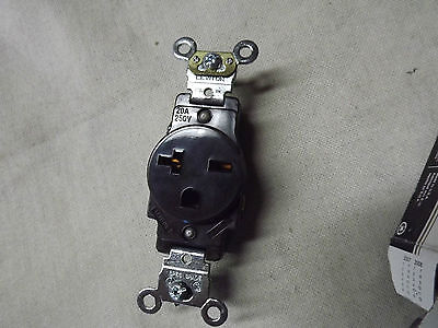 Lot of LEVITON 5461 5262 Receptacle and 1201 Toggle Switch 1201-2W 1201-LHW NEW