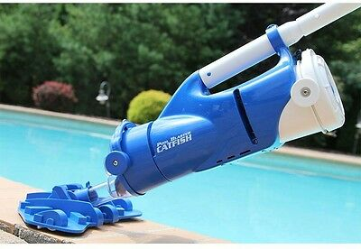 Catfish Ultra Rechargeable Battery Powered Pool Spa Vacuum w/ Segmented Pole Set