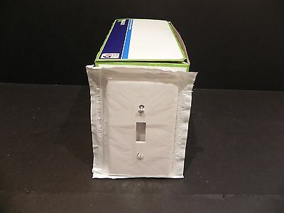 Lot of 100  Leviton 80501-W 1 Gang Toggle Switch wall device plate Midway size