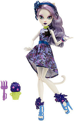 Monster High Gloom and Bloom Doll - Brand New - Fast Postage