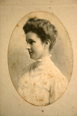 Young Woman Profile Late 19th Early Twentieth Century Cabinet Card Oval Photo