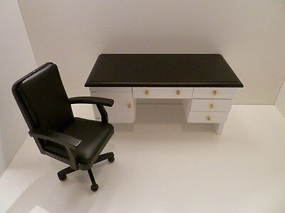 Dolls House Miniature 1:12 Scale Study Black & White Desk and Chair (BS33)