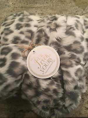 Pottery Barn Teen Faux Fur Lounge Around Pillow Cover Gray Cheetah NEW