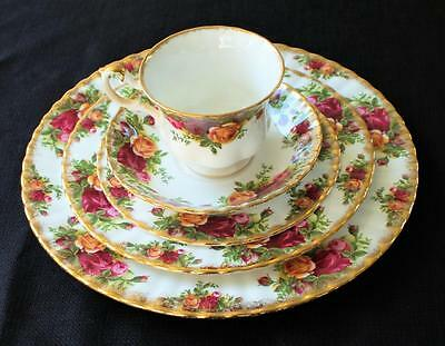 Vintage ROYAL ALBERT Bone China England OLD COUNTRY ROSE 5 Pc Place Settings