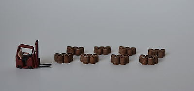 #N017 N Wood barrels grouping of 5 Produits MP diorama baril bois