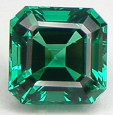 EXCELLENTE QUALITE T. ASSCHER 9x9 MM. EMERAUDE NANOCRISTAL LABORATOIRE