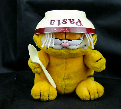 Vintage Garfield Stuffed Animal Spaghetti Attack NEW OLD STOCK IN GOOD SHAPE
