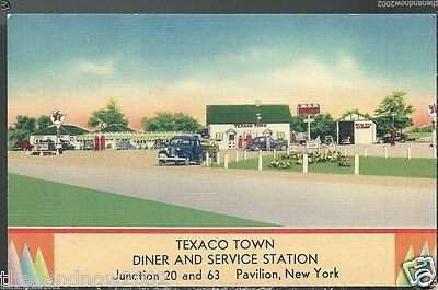 1941 TEXACO TOWN Service Station Pavilion NY Postcard Sign of the BIG RED STAR