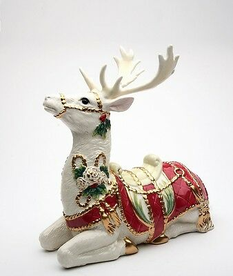 Cosmos Gifts Fantasia Christmas Deer Sitting Figurine
