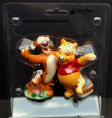 DISNEY Parks SALT and PEPPER Shaker Set WINNIE THE POOH and TIGGER NEW