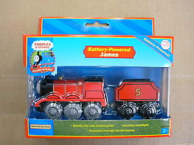 Thomas Wooden Railway - Battery-Powered James Loco LC99718