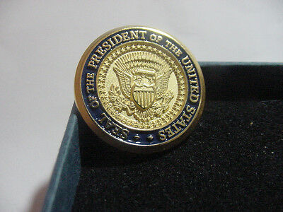 Presidential  seal Lapel Pin - diecast no signature