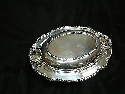 Gorgeous Vintage Wallace Silverplate Oval Covered Serving Dish w/ Glass Insert