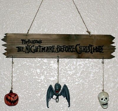 NIGHTMARE BEFORE CHRISTMAS Wooden SIGN with Hanging ORNAMENTS Pumpkin Bat Skull