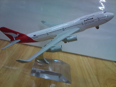 QANTAS  DIECAST 747  METAL PLANE AIRCRAFT MODELS ON STAND 15cm  AEROCRAFT