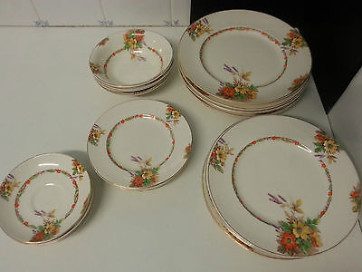 26 piece Empire Ware floral dinner set Somerset pattern. plates, bowls. c1949