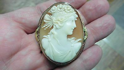 C-1342) Roman Woman flowers in hair shell carved oval CAMEO 10k gold pin pendant