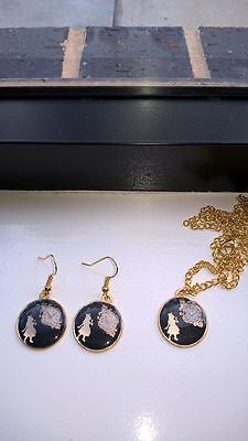 Alice in wonderland necklace and earrings set chain made by me