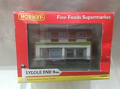 N Gauge Lyddle End N8750 Fine Foods Supermarket - Boxed