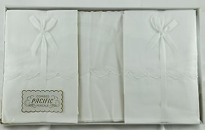 Vintage Pacific Combed Percale Set of Sheet and Pillowcases - White Embroidering