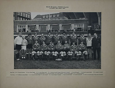 WALES RUGBY TEAM (v FRANCE) 1972 PRESENTATION PHOTOGRAPH