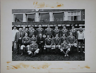 WALES RUGBY TEAM (v FRANCE) 1974 PRESENTATION PHOTOGRAPH