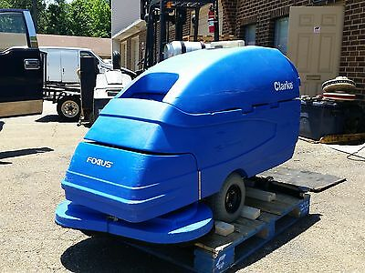 "ONE RECONDITIONED CLARKE FOCUS S33 Walk-Behind 33/"" Floor Scrubber"