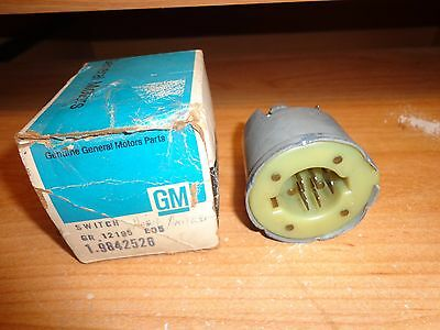 NOS GM 1971-1976 Buick Chevrolet Oldsmobile Pontiac Wagon Power Tailgate Switch