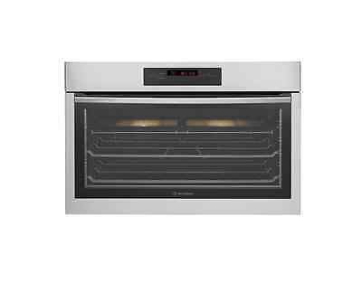 Westinghouse WVE916SA 90cm electric underbench oven