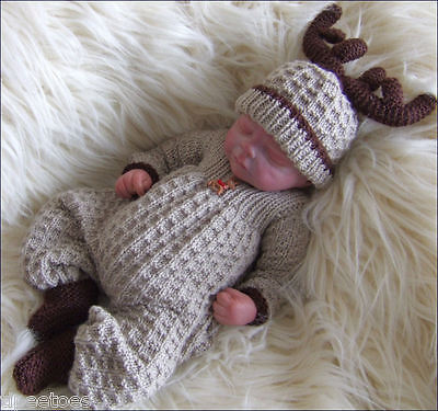 Christmas Knitting Patterns For Babies.Baby Knitting Patterns Dk 71 Christmas Baby Booties By