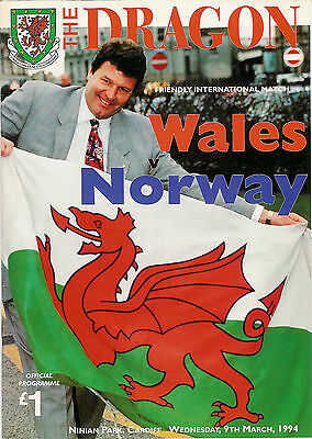 Wales v Norway - friendly 9 Mar 1994 Cardiff  FOOTBALL PROGRAMME