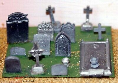 OO Scale Model Kits Assorted Grave and Tombstones Unpainted! F20