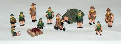 Cub Scouts on Camp N Scale Unpainted Metal Model Kit Railway Layout A114