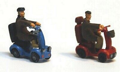 OO Unpainted Scale Model Kit 1:76  2 x Mobility Scooters & disabled figures F276