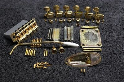 "FENDER Stratocaster Aged Relic GOLD USA 2 3/16"" HARDWARE SET w/ tuners - Strat"