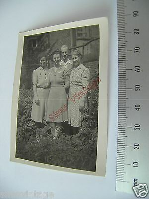 OLD Photo LOT3 1920-40s 3 women and a Man in The Garden Vintage Fashions 003