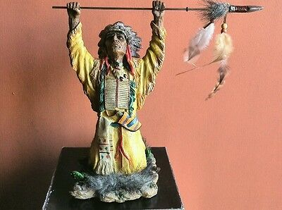Indian native statue with spear 25 cm chief/warrior