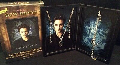 Twilight New Moon Limited Edition EDWARD NECKLACE & BRACELET in Display Box NEW
