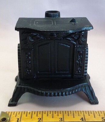 J.W. Cast Iron Fireplace Stove Bank Very Good Condition