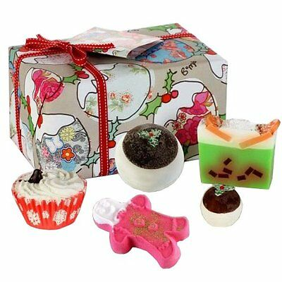 Luxurious Scented Bath Bomb Soap Cosmetics Christmas Cheer Gift Pack Festive Fun