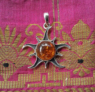 327 Baltic amber solid 925 sterling silver Sun design pendant RRP $49.95