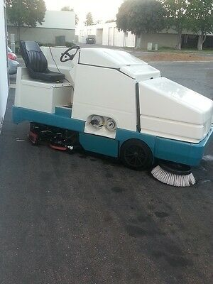 Tennant Floor Sweeper Scrubber 8410 Refurbished Reconditioned Largest Model