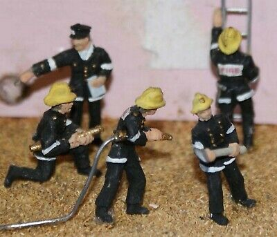 Modern Fire fighters action figures OO Scale Made & Hand Painted Model F134p