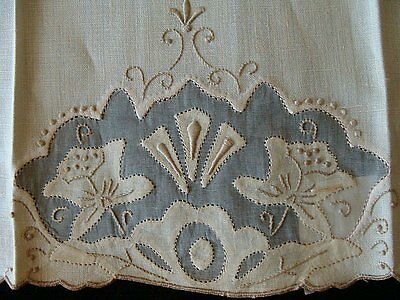 Gorgeous Vtg MADEIRA Linen Organdy Guest Towel UNUSED Hand Embroidered PRISTINE