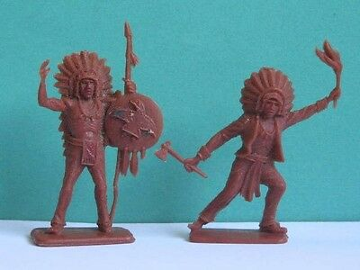 2 x CRESCENT.  WILD WEST INDIANS. 1960's PLASTIC TOY SOLDIER .. 1/32 SCALE