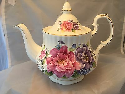 Brand New Fine Bone China  Decorated 6 Cup  Tea Pot  Ref 1441