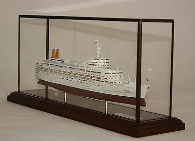 P&o Ss Canberra (Great White Whale)  Precision Built Model In Display Case