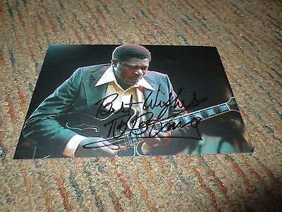 B.B. KING Signed 5x7 glossy color photo - BLUES LEGEND