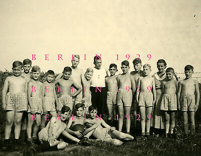 VINTAGE ORIGINAL PHOTO 1934 Male Physique German HJ Boy Group Leader with Youths