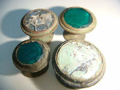 Vintage lot of 4 clasp button
